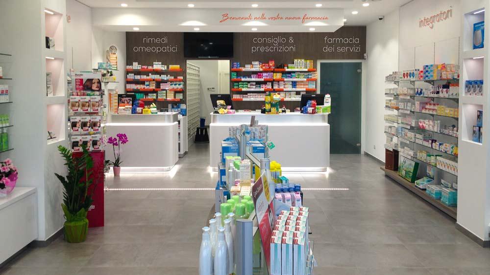 interno farmacia santo Stefano centrato